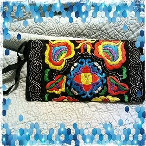 Embroidered Wristlet/Clutch